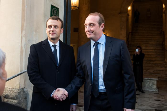 Laurent Marcangeli accueille Emmanuel Macron.