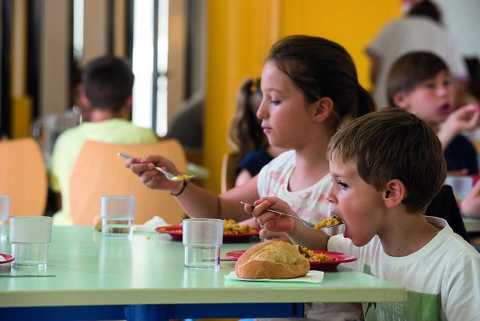 Restauration scolaire, quand les assiettes forment la jeunesse