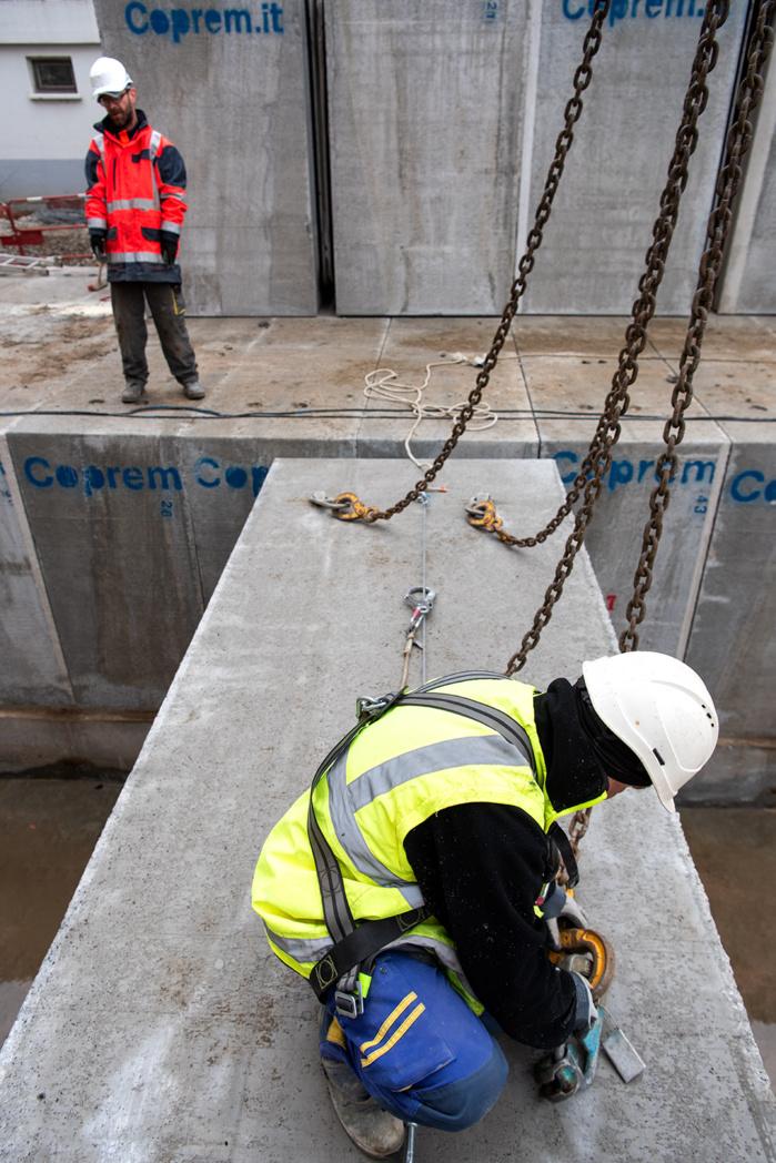 Pose des cadre en béton pour la modernisation du réseau hydraulique.