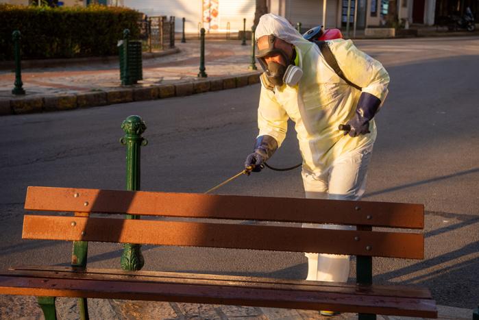 Désinfection du mobilier urbain, la ville prépare le déconfinement