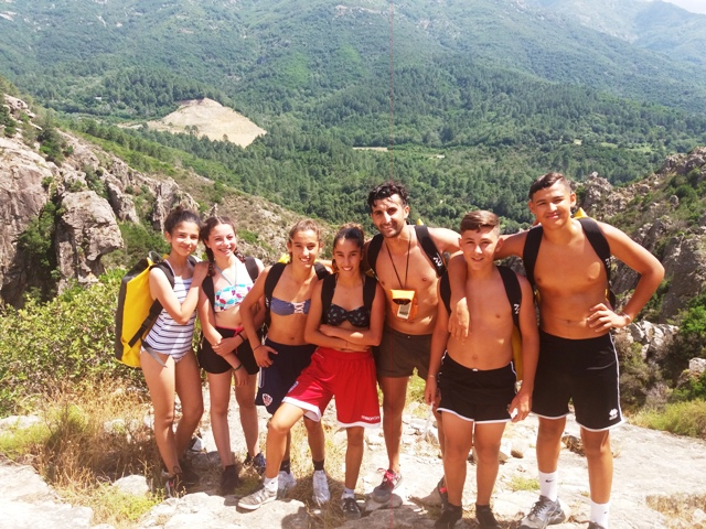 les ados en randonnée canyoning à Bocognano