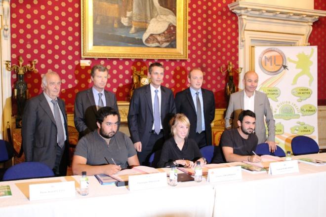Signature de la convention d'engagement sur la mise en oeuvre des emplois d'avenir