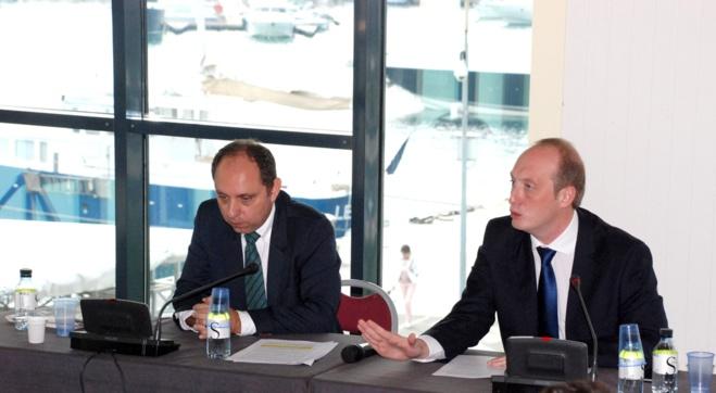 Jean-André Miniconi, président de la chambre de commerce et d'industrie de Corse-du-Sud et Laurent Marcangeli, député-maire d'Ajaccio lors de la conférence de presse donnée au palais des congrès ce vendredi 9 octobre.
