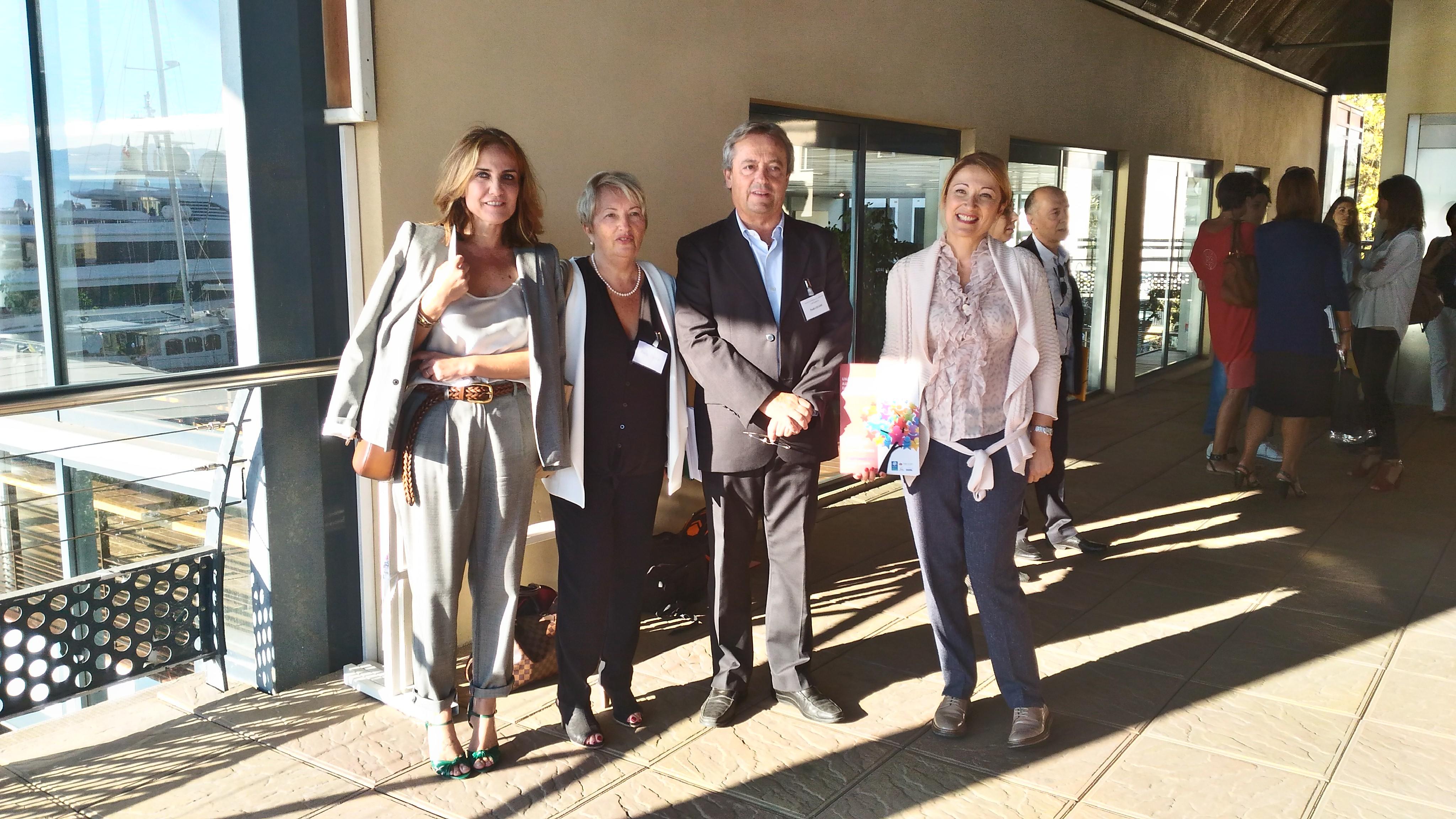 l'Adjointe au développement social Caroline Corticchiato aux côtés de l'Adjointe déléguée aux politiques familiales Annie Costa-Nivaggioli, de la Conseillère municipale déléguée au handicap et l'accessibilité Isabelle Feliciaggi ainsi que du Directeur de la CAF de Corse-du-sud monsieur Paul Celeri.
