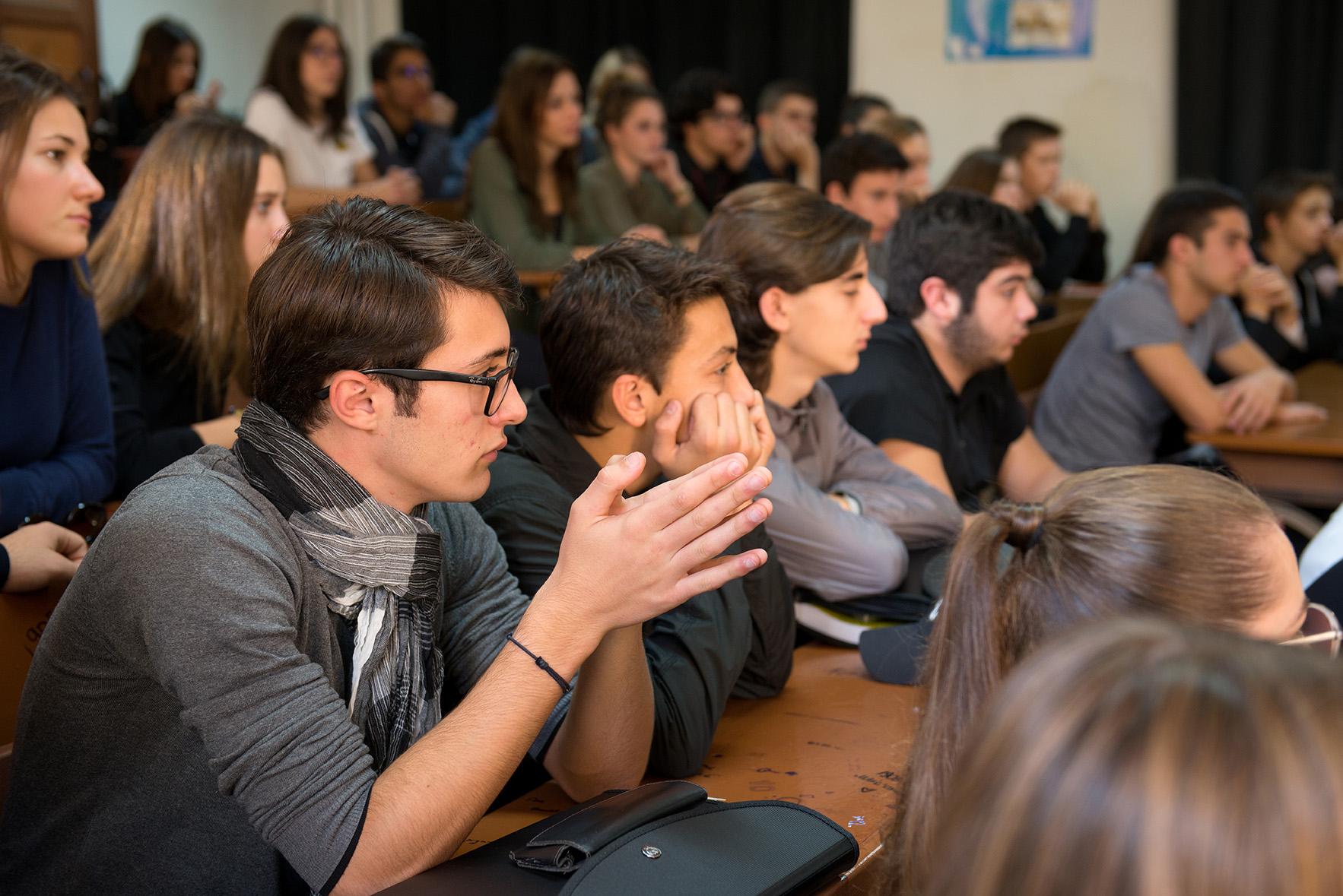 """Laurent Marcangeli a exhorté les jeunes à faire """"entendre la voix de (leur) génération""""."""