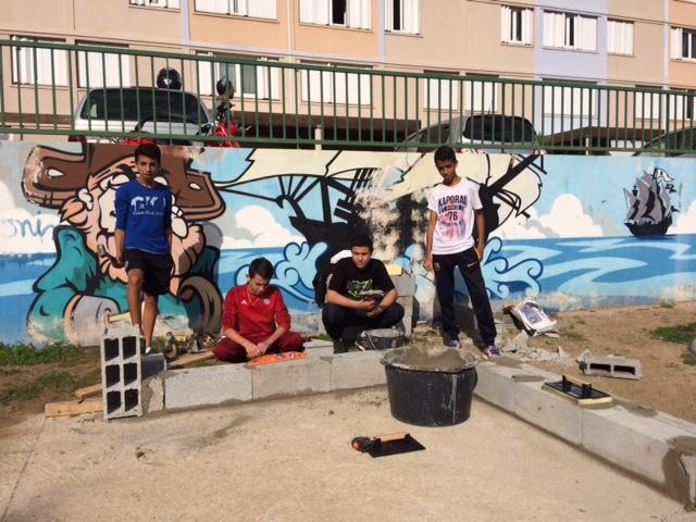"""Le Centre Social Saint Jean réhabilite """"la piazzetta"""""""