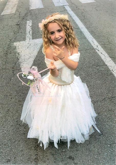 Anna-Dea Ferrandini 4 ans ½ remporte une carte cadeau Fnac