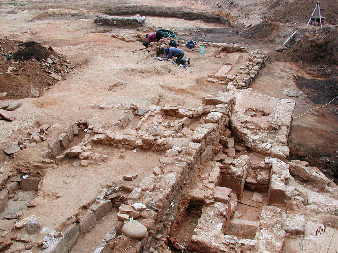 Etendue des fouilles lors du travail archéologique de l'Inrap (photo collection Drac).