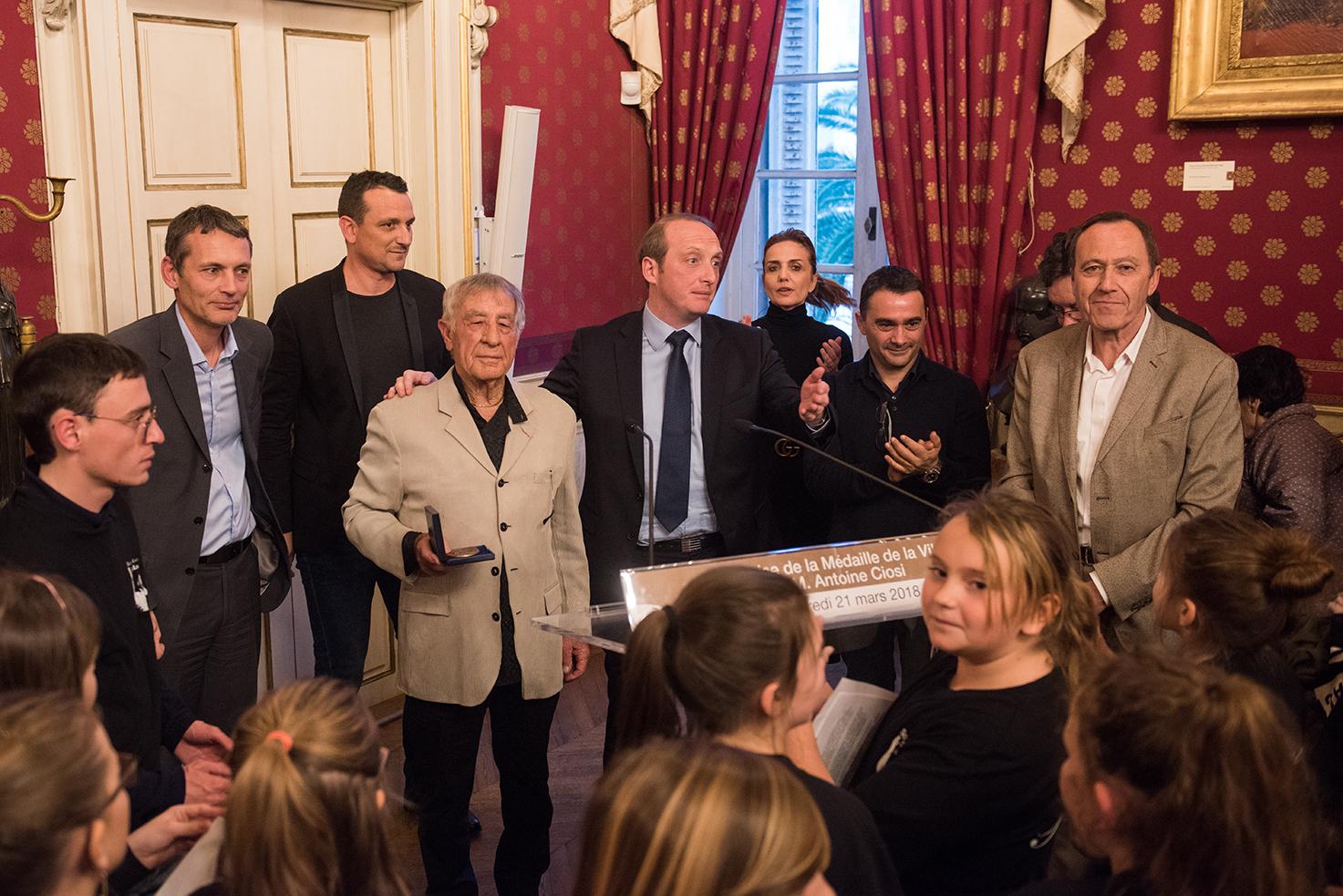 Remise de la Médaille de la Ville à Antoine Ciosi