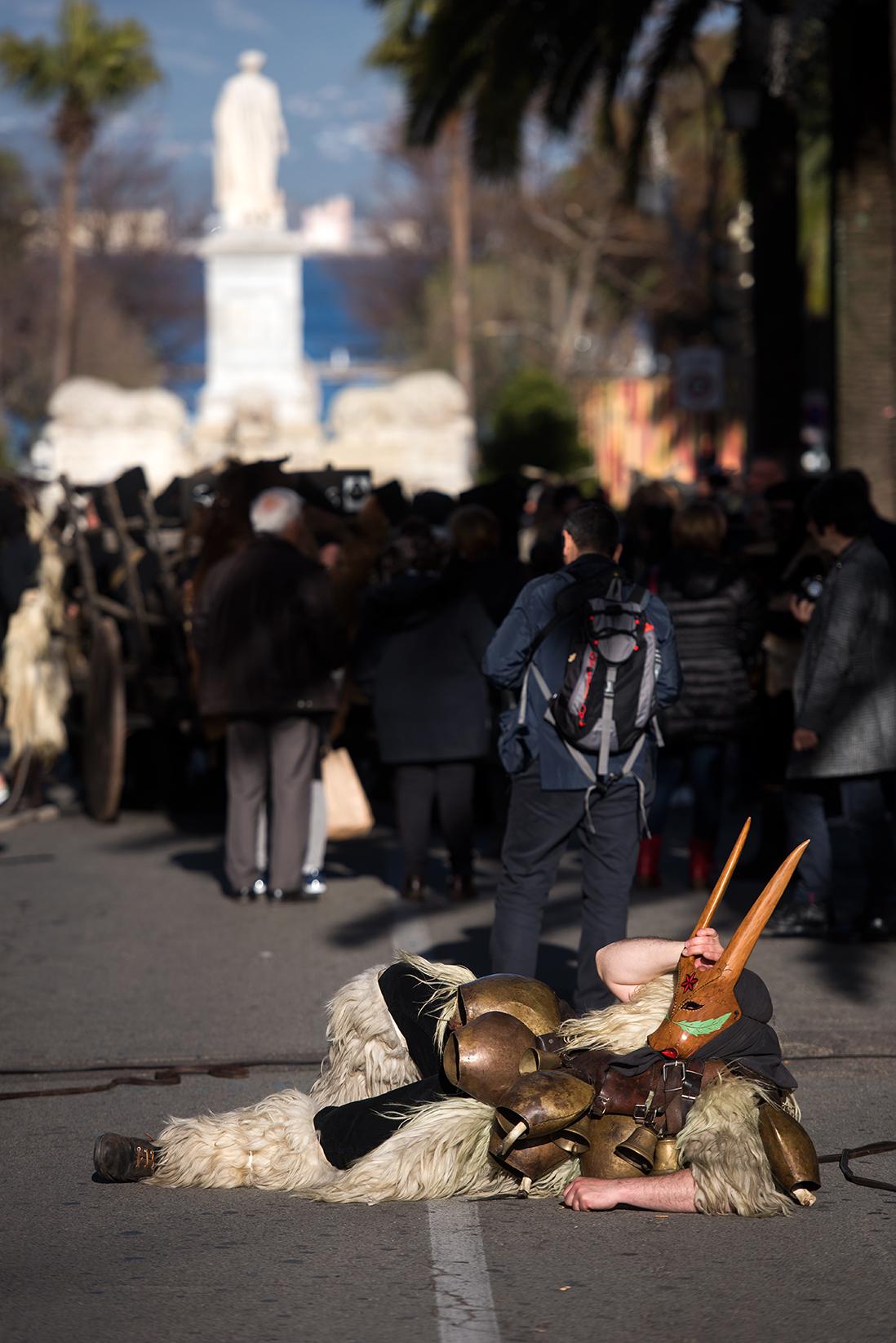 Retour en image des Mascaras, défilé des troupes sardes mercredi 28 mars
