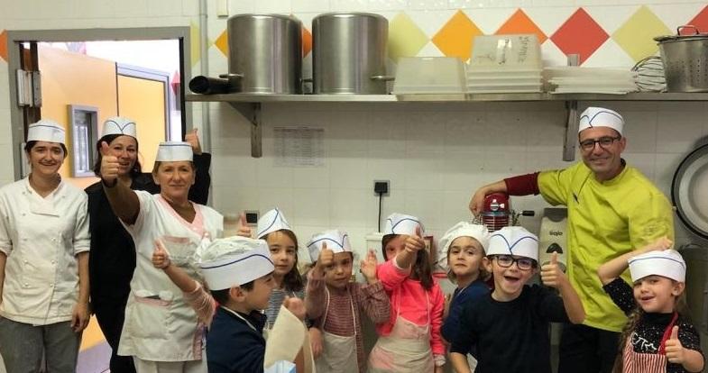 Atelier pâtisserie à la cuisine centrale des crèches municipales