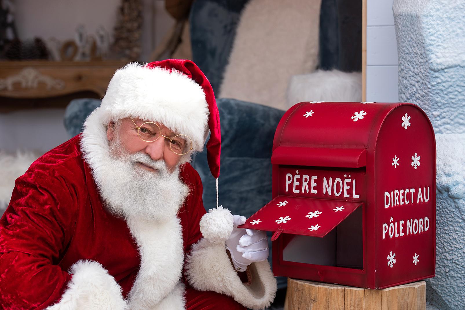 Le Père Noël vous attend sur le Marcatu di Natale