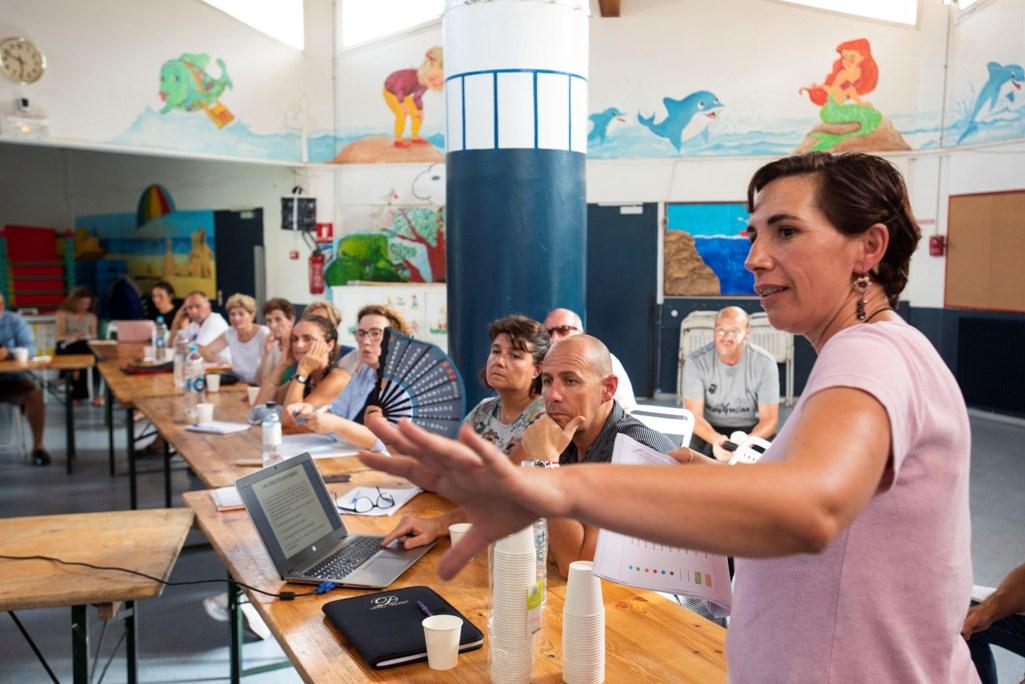 Georgia Susini, directrice du service environnement et Aménagement paysager a présenté les aménagements envisagés pour que le Parc Berthault retrouve de sa superbe.