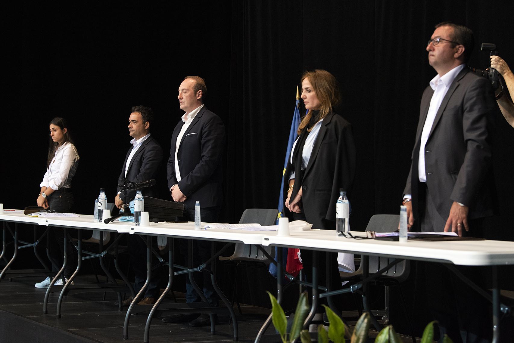 L'assemblée a observé une minute de silence avant d'entamer la délibération des rapports (Photos Ville d'Ajaccio)