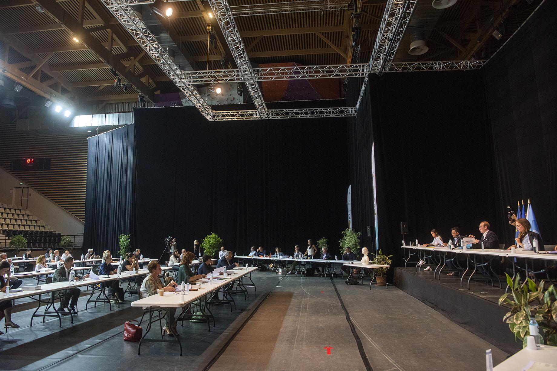 Le prochain conseil municipal devrait se réunir à distance par visioconférence.