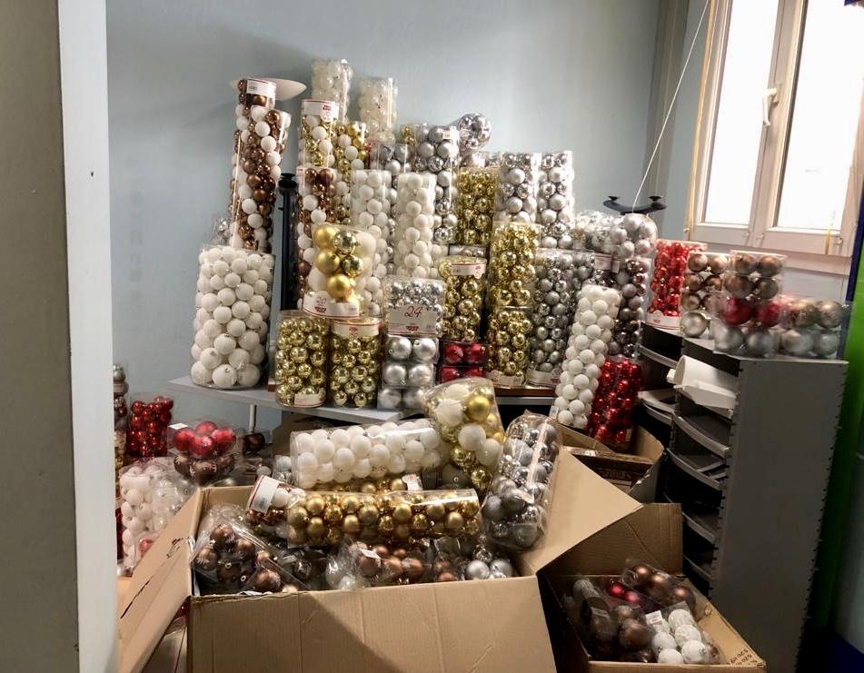 Don de décorations de Noël d'un commerçant à la Ville d'Ajaccio !