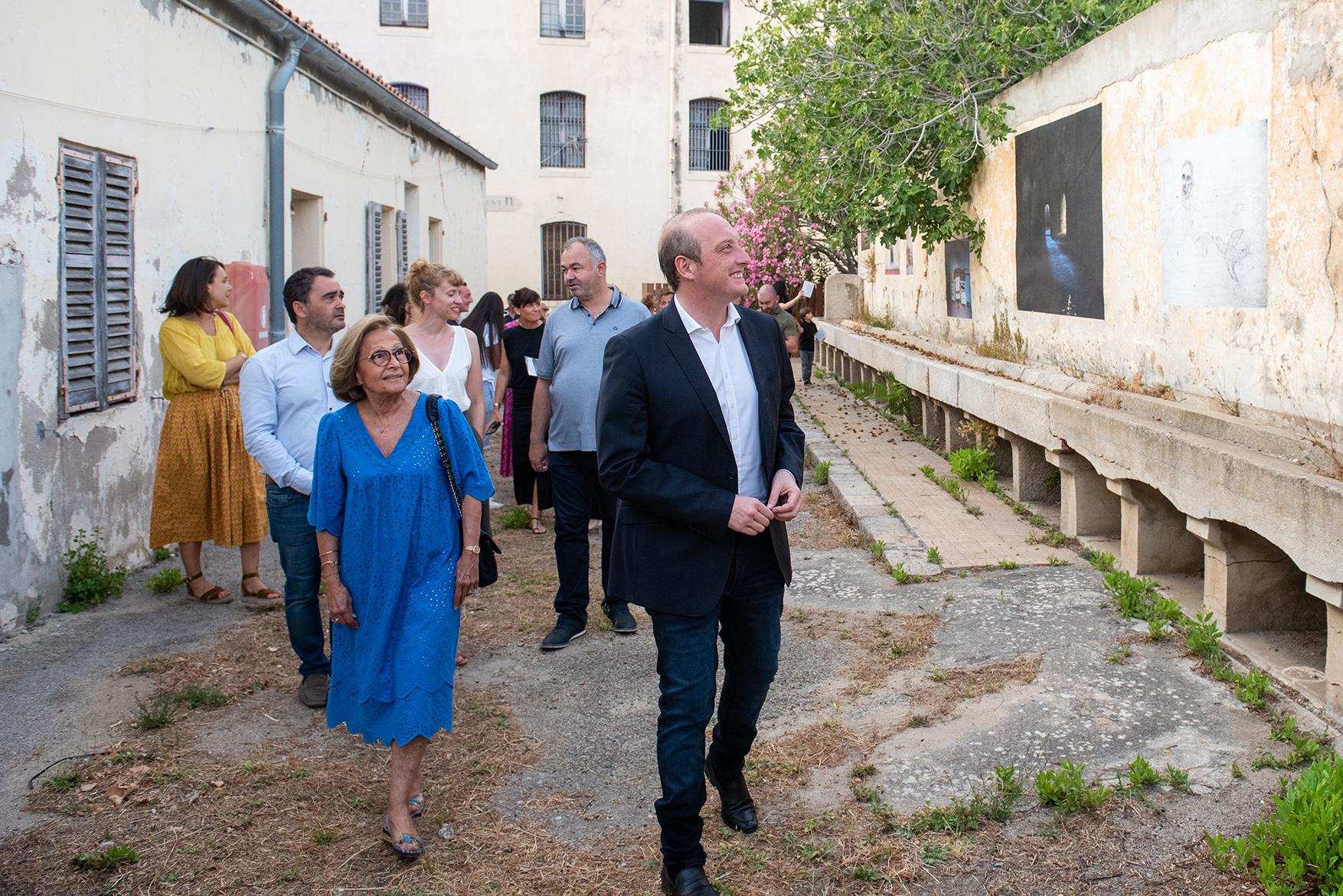 Visite de l'exposition de la photographe Céline Clanet (photos Ville d'Ajaccio).