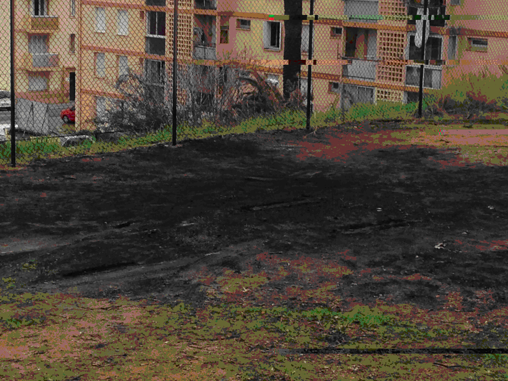 Le terrain qui portait encore les stigmates de l'incendie de Noël a été débarrassé des cendres et des déchets qui le jonchaient.