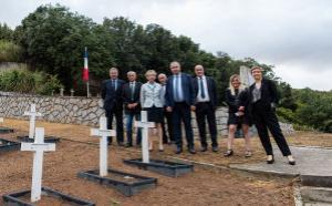Visite officielle au cimetière Saint-Antoine