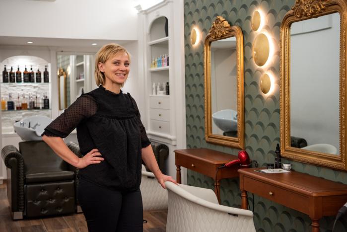 Laetitia Leclerc dans son salon de coiffure de la rue des Trois Marie (Photos Ville d'Ajaccio).