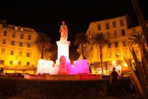 La Ville d'Ajaccio partenaire d'Octobre Rose campagne nationale de lutte contre le cancer du sein avec le Comité Départemental de la Ligue contre le Cancer AVEC LES FEMMES POUR LA VIE