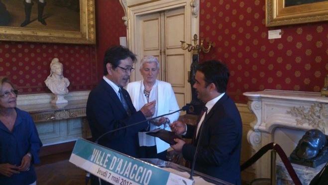 Jeudi 7 mai Visite de courtoisie Consul Général du Japon Salon Napoléonien de l'Hôtel de ville