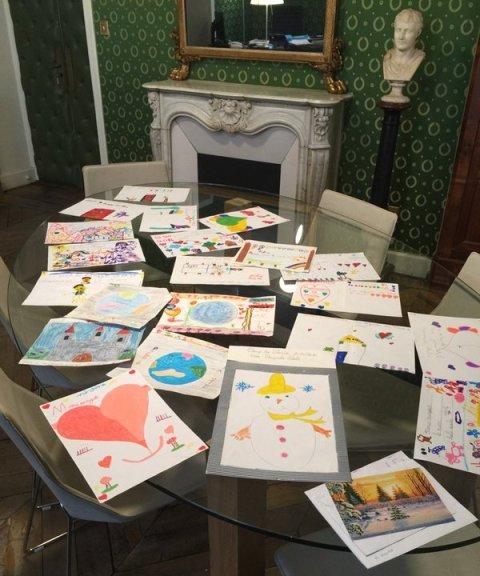 Cadeaux de remerciement donnés par les enfants à Laurent Marcangeli, photo récupérée sur son compte twitter