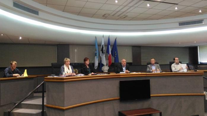 Commission extra municipale Occupation commerciale du domaine public Direction commerce et artisanat Vendredi 29 avril