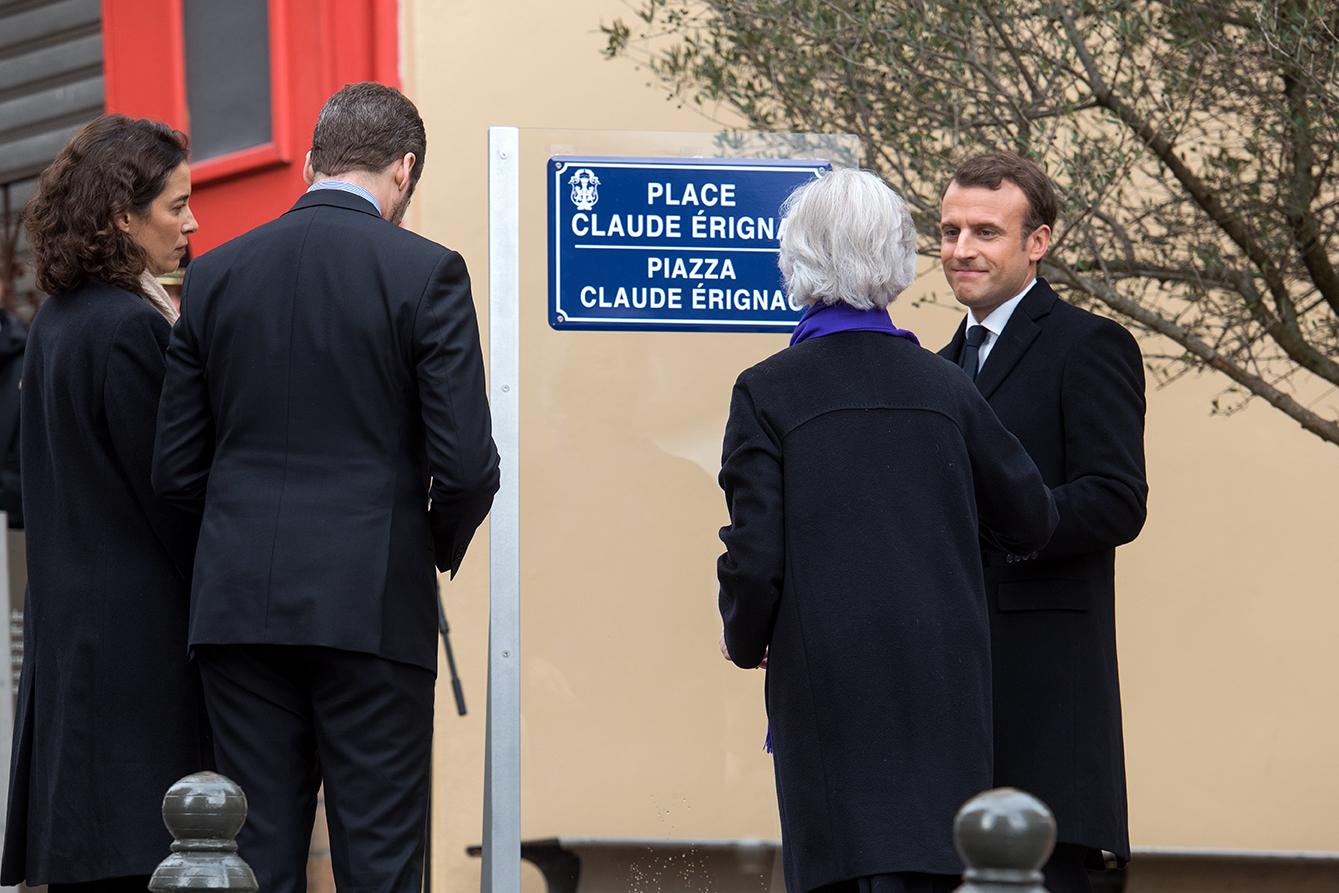 Inauguration de la place Claude Erignac en présence de la famille du préfet et du président de la République.