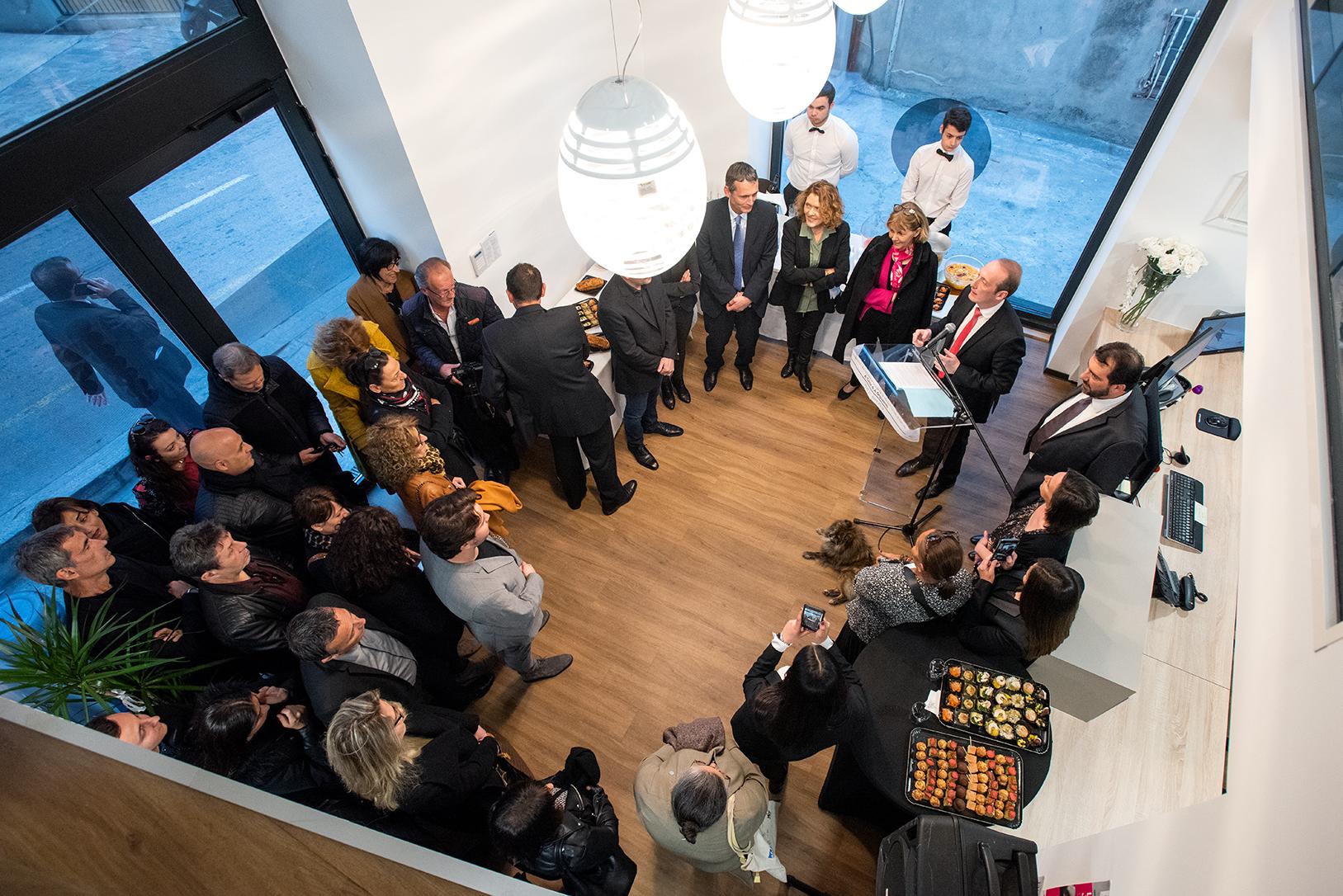 Laurent Marcangeli a inauguré A Casa di a Ghuventù ce jeudi soir aux côtés de la préfète de Corse, Josiane Chevalier, des partenaires associatifs et institutionnels (photos Ville d'Ajaccio).