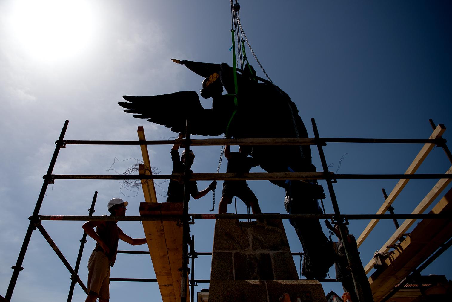Retour du monument aux morts place Campinchi