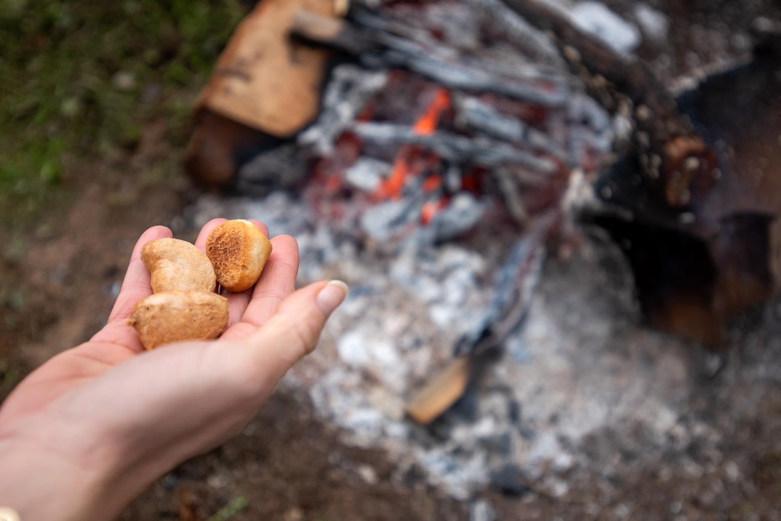 Les petits pains de l'année précédente sont brûlés.