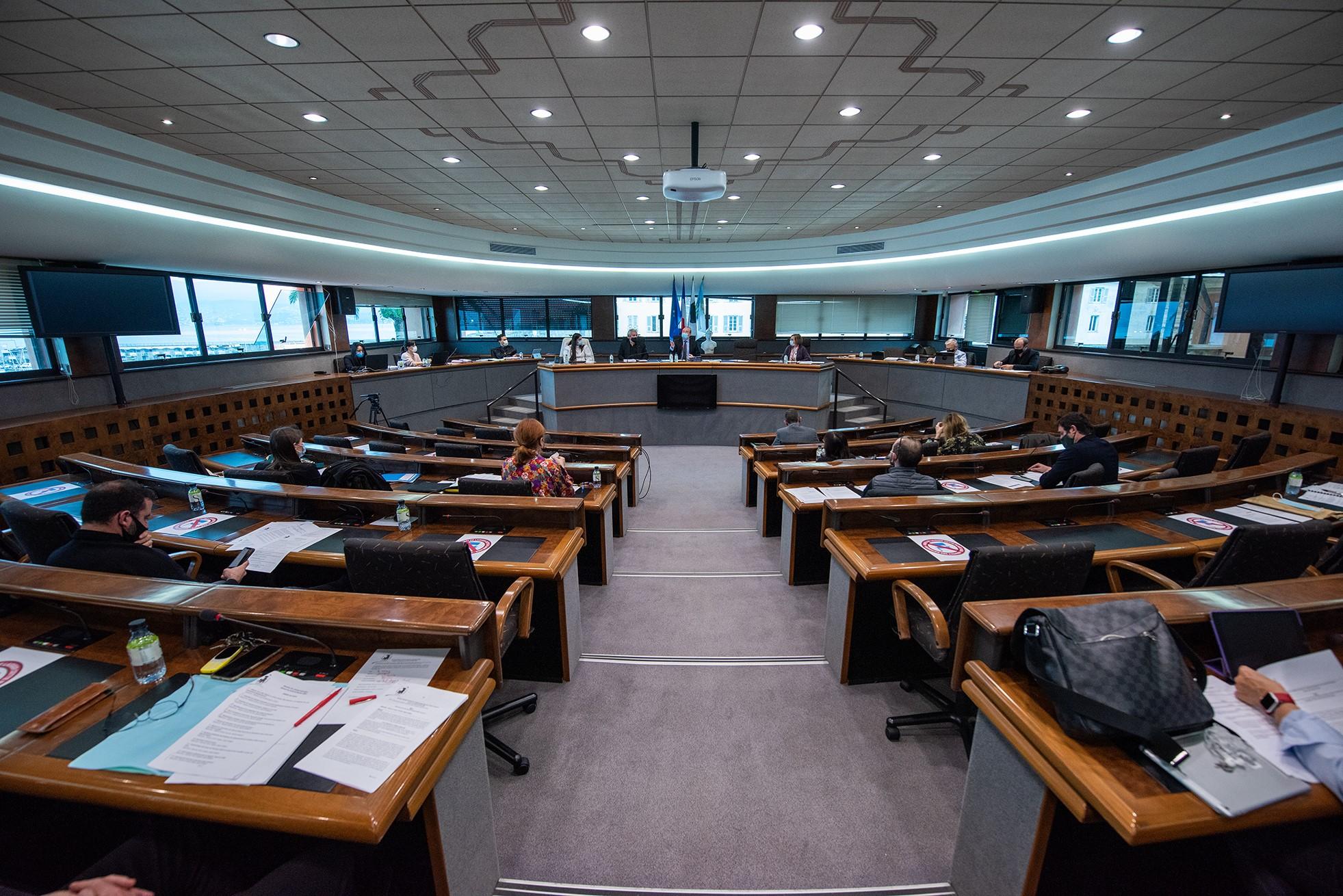 Le conseil municipal s'est tenu en visioconférence et retransmis sur le web, ce mardi 29 avril (Photos Ville d'Ajaccio)