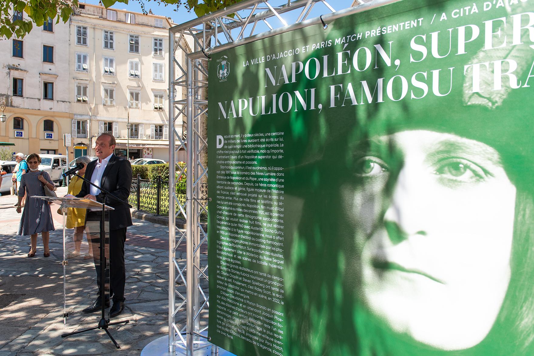 """""""Napoléon est un sujet inépuisable"""", a souligné le maire d'Ajaccio lors de l'inauguration de l'exposition à ciel ouvert de """"Napoléon Superstar"""" (Photos Ville d'Ajaccio)."""