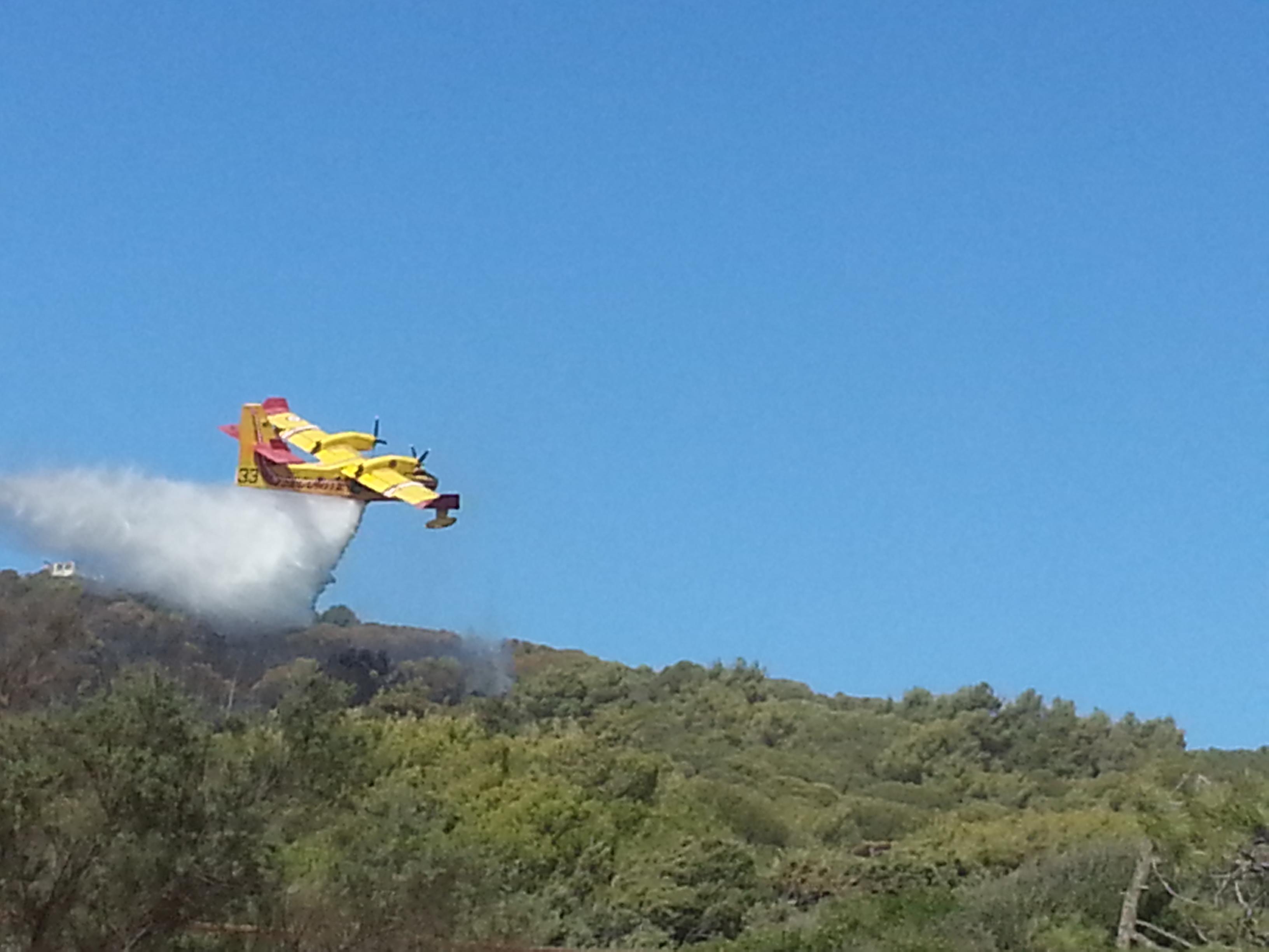Incendie sur la colline de la Parata
