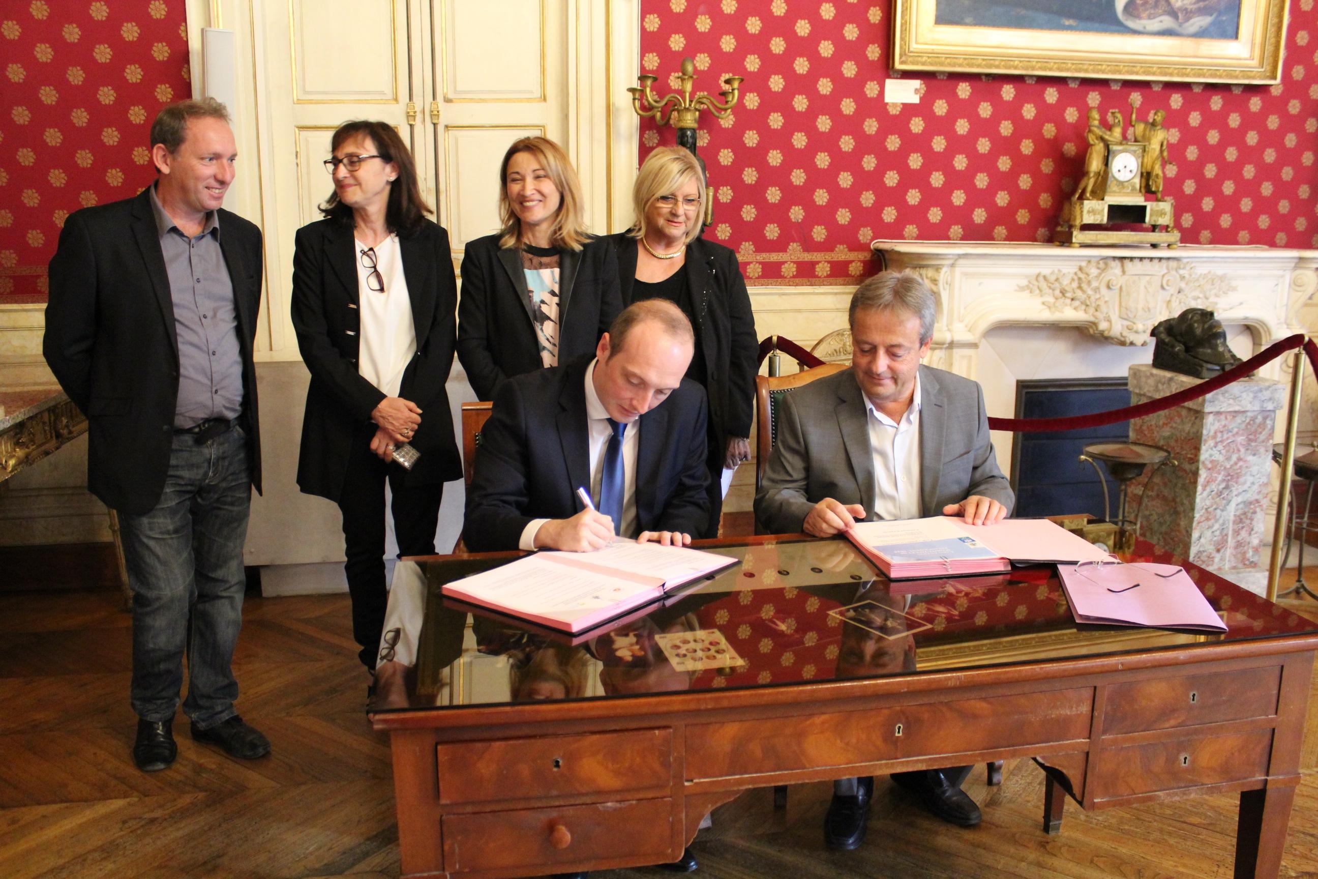 Signature d'une conventionCAF/ Ville d'Ajaccio pour l'inclusion d'enfants handicapés en centres de loisirs