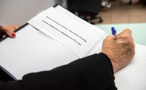 Ouverture d'un registre de condoléances en hommage à Valéry Giscard d'Estaing