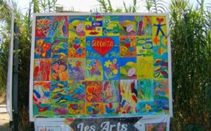 En juillet, A SERENITA affiche son art